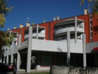 """Centro Direzionale di Tolmezzo - Blocco """"A2"""" - Scorcio prospetto ovest"""