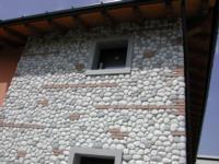 Condominio Borgo Florio a Tavagnacco (Ud) - Rivestimento esterno in pietra